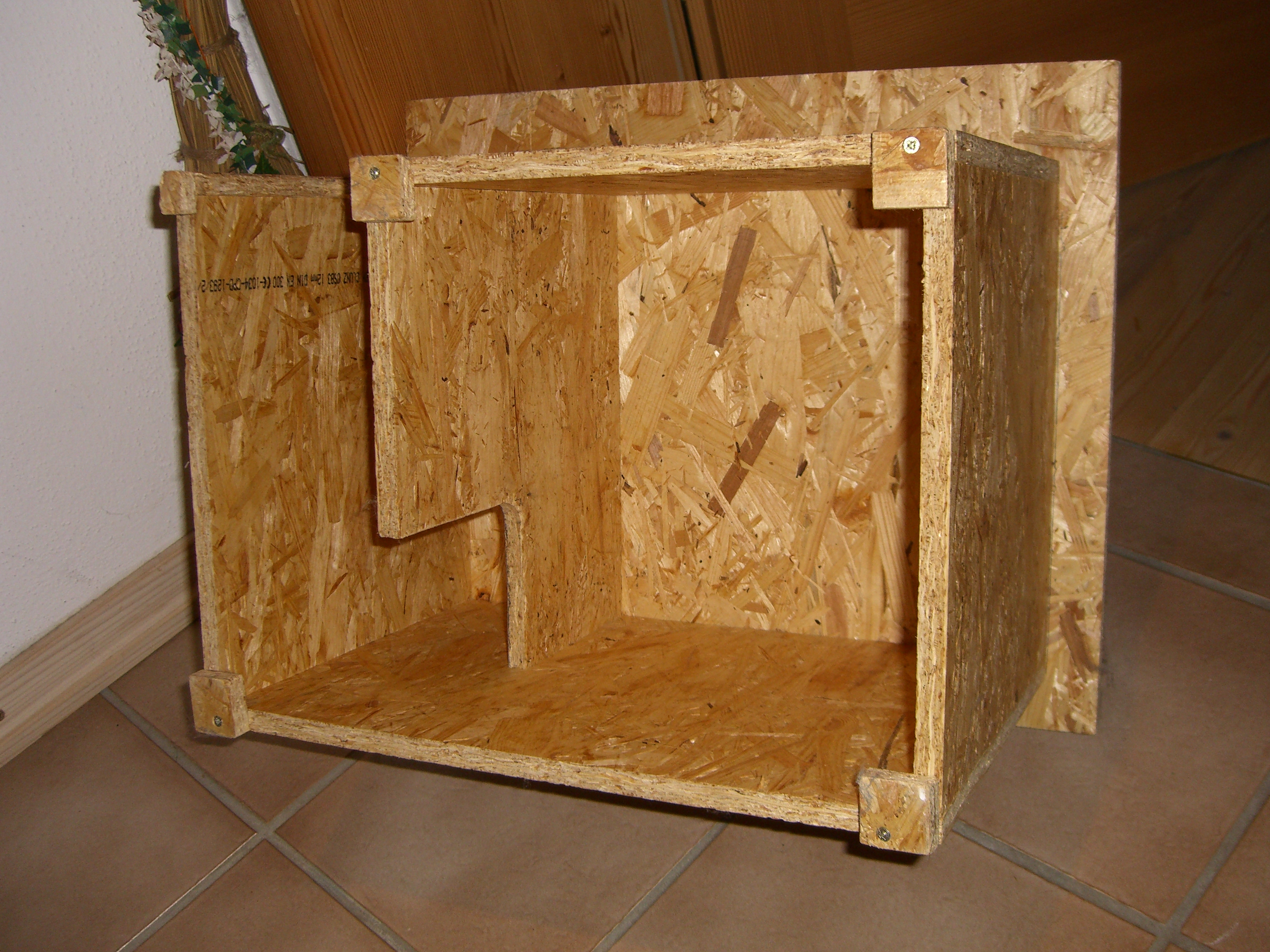 igel schlaf fess haus kombiniert igelstation weilheim. Black Bedroom Furniture Sets. Home Design Ideas
